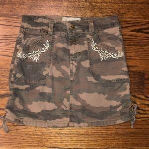 Girls camo skirt
